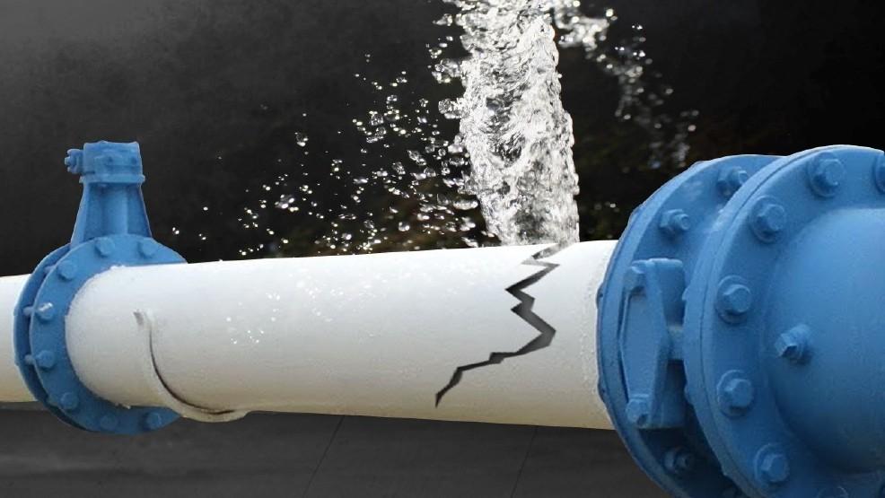 Troy DPW crews patch leak in 6-inch main   WRGB